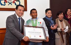 Reconoce Américo Zúñiga al deportista xalapeño Crisanto Grajales Valencia