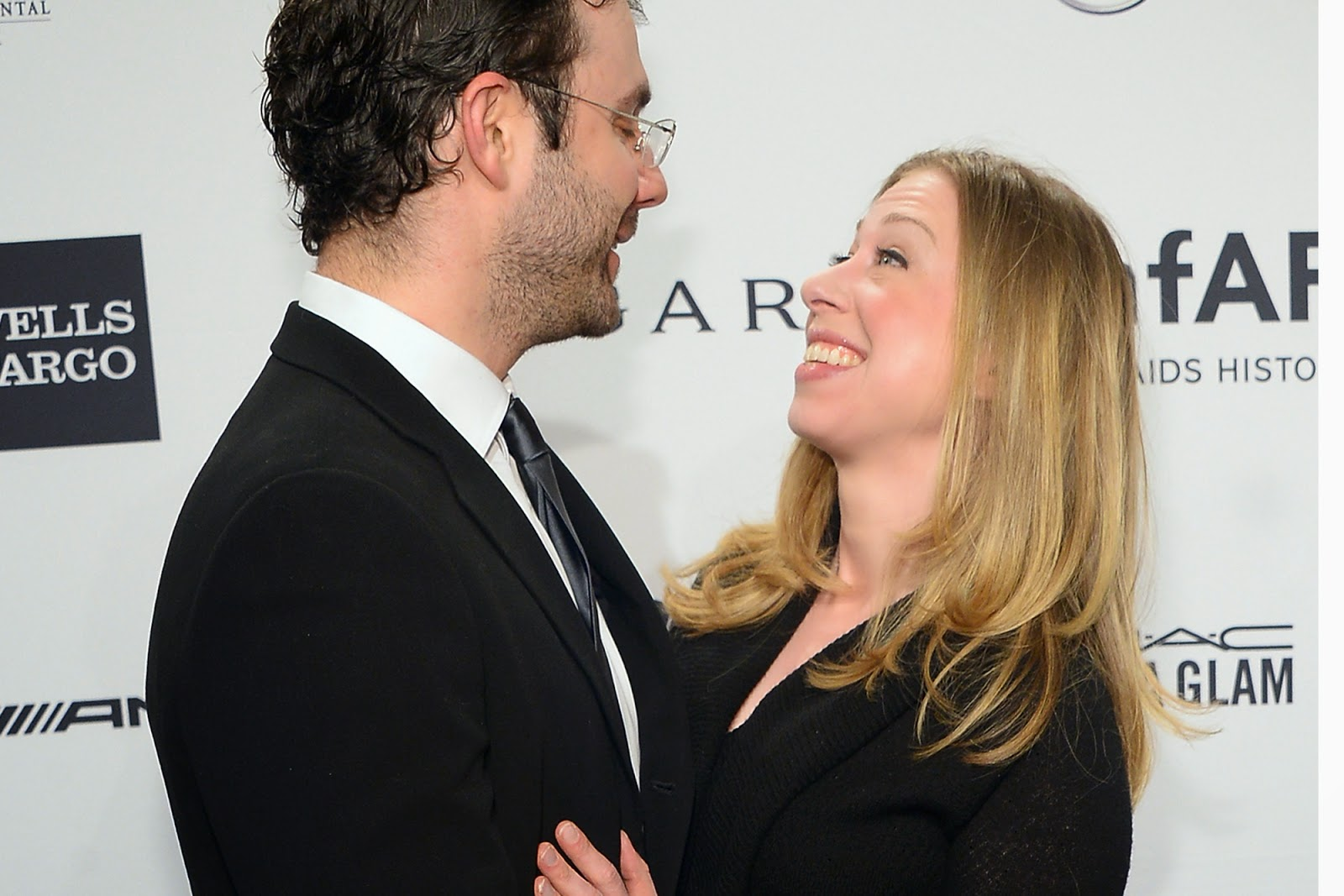 Chelsea Clinton Engagement Ring - Viewing Gallery