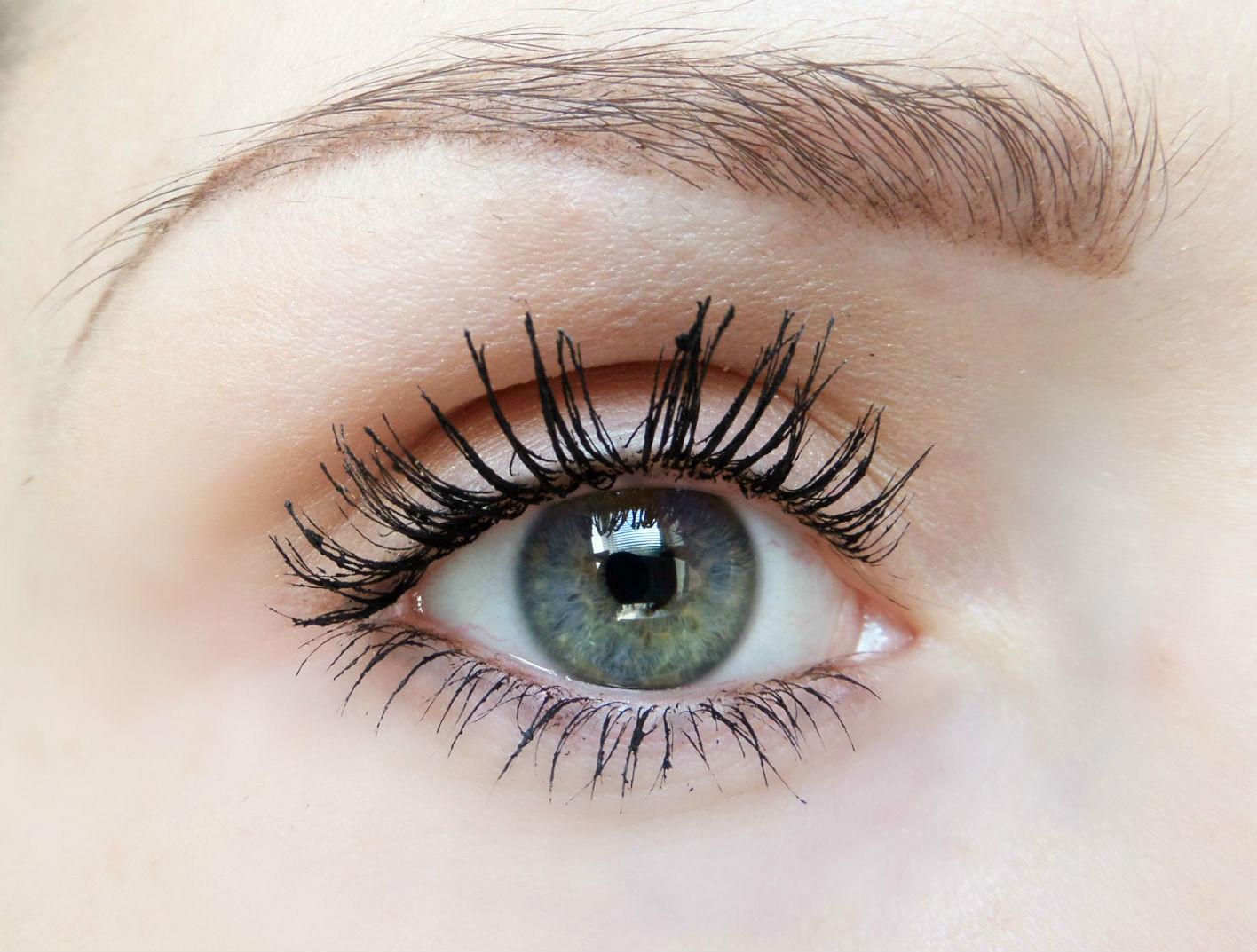 The Makeup Revolution Inner Eye Brightener Review