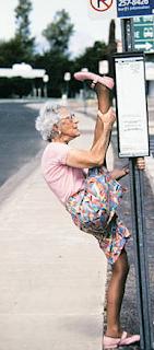 najsmešnije fotke: savitljiv baka