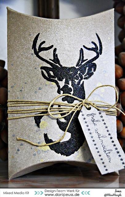 http://danipeuss.blogspot.com/2015/12/weihnachtliche-geschenkverpackung-mit.html