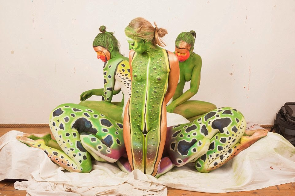 Frog with naked woman photos