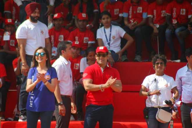 Salman Khan With Neeta Ambani at Reliance Foundation Young Champs Launch
