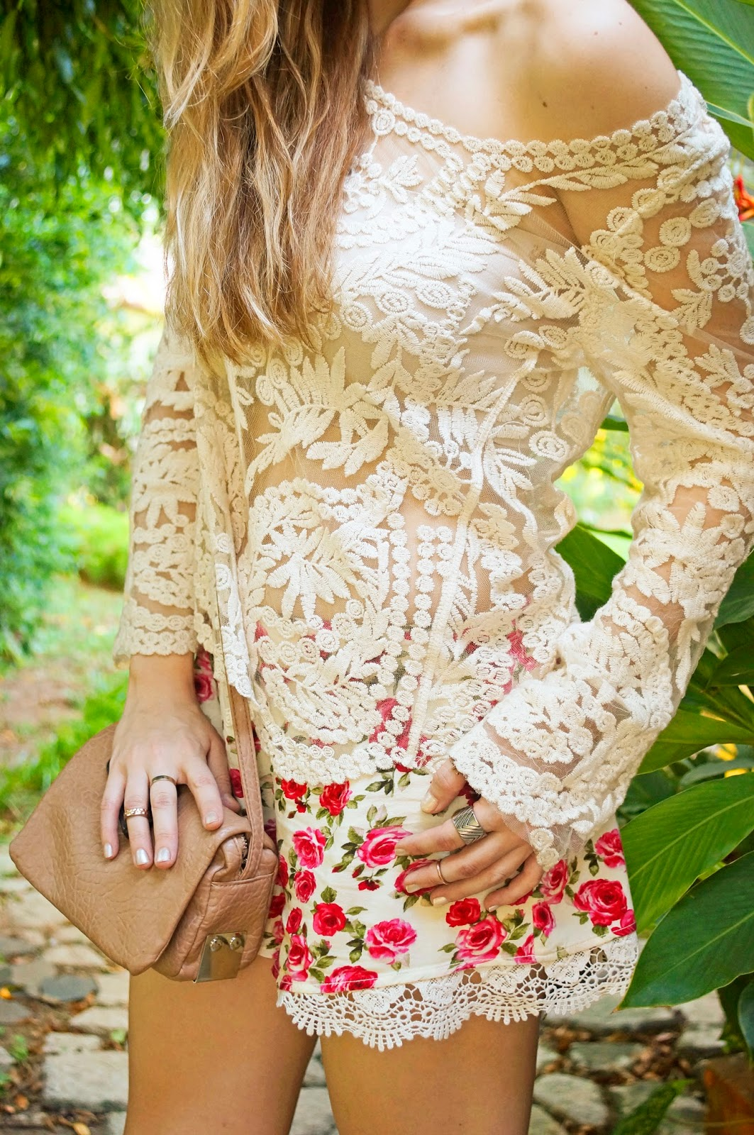 Lace and florals are the perfect combination for Srping!