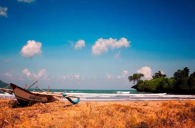 Foto Gambar Pantai Trenggalek