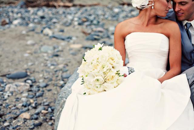 Modern-beach-wedding-inspiration