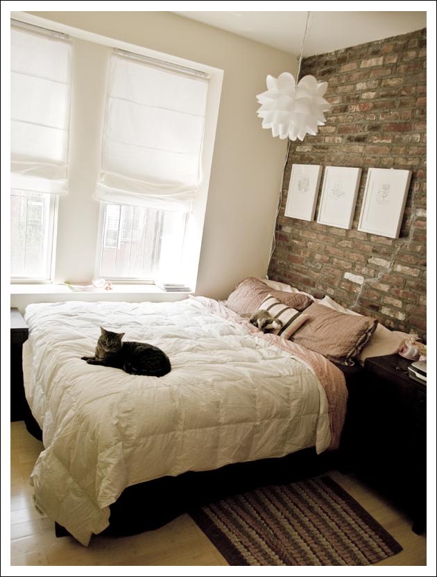 halcyon wings exposed brick bedroom