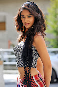 Illeana hot in Devudu Chesina Manusulu Movie-thumbnail-9