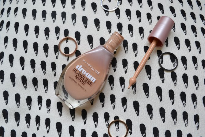 Maybelline Dream Flawless Nude Foundation