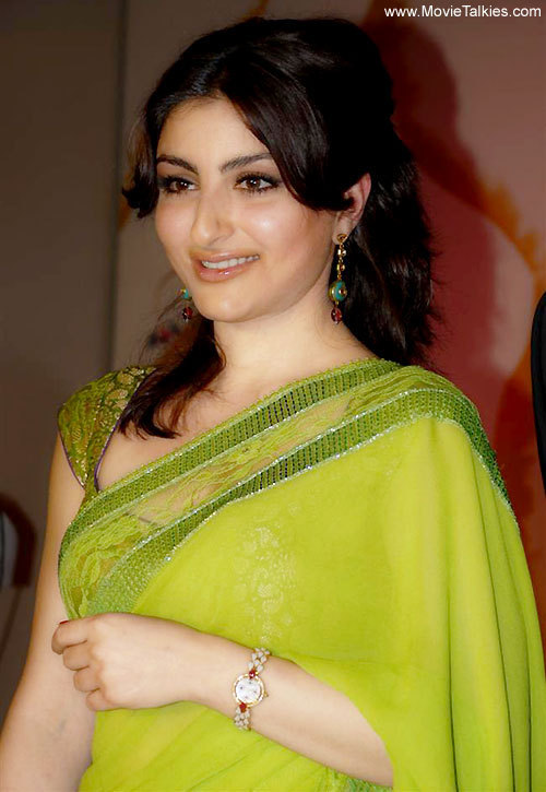 soha ali khan wallpapers. AM Labels: Soha ali khan