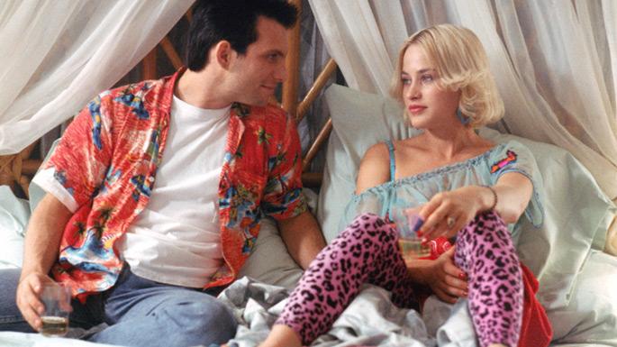 http://2.bp.blogspot.com/-4RdJ4h3lfx8/TzrZ5iCy13I/AAAAAAAAA54/feEiVSxqDTI/s1600/936full-true-romance-screenshot.jpg