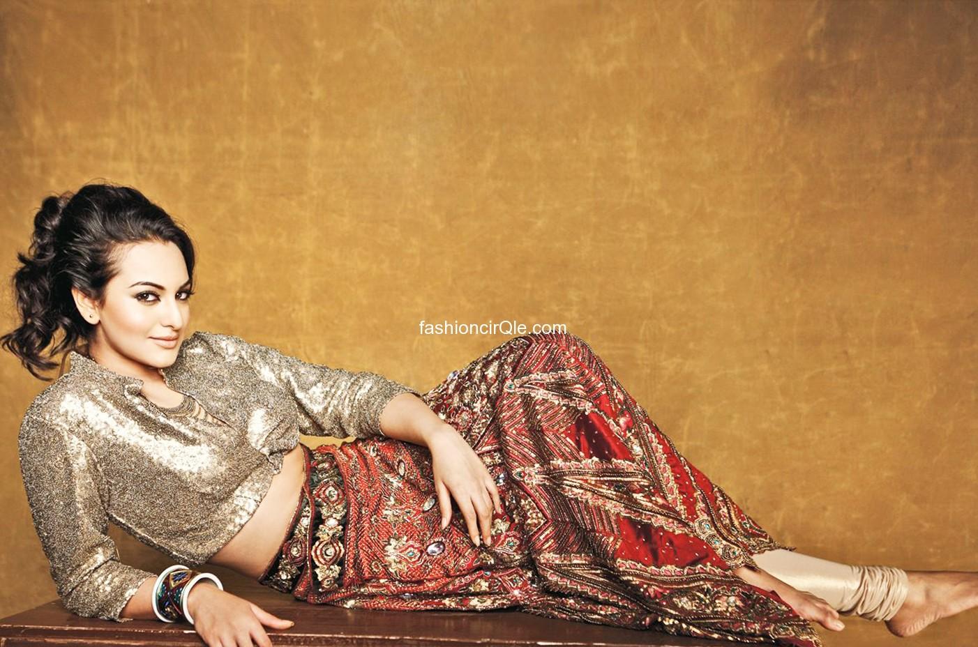 http://2.bp.blogspot.com/-4Rsc6f91iXY/T6ZhxYoIjzI/AAAAAAAAAV0/YWW_lGbjEfA/s1600/Sonakshi+Sinha+new+Hindi+film+Rowdy+Rathore+sexy+wallpapers5.jpg