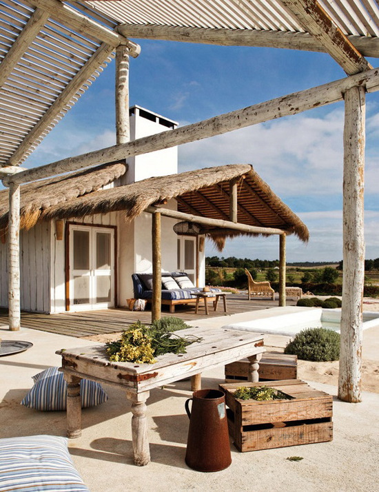 Summer retreat in Portugal by Pequenina Rodrigues
