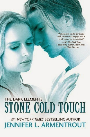 http://redhiddenalcove.blogspot.fr/2014/11/review-jennifer-armentrout-stone-cold.html