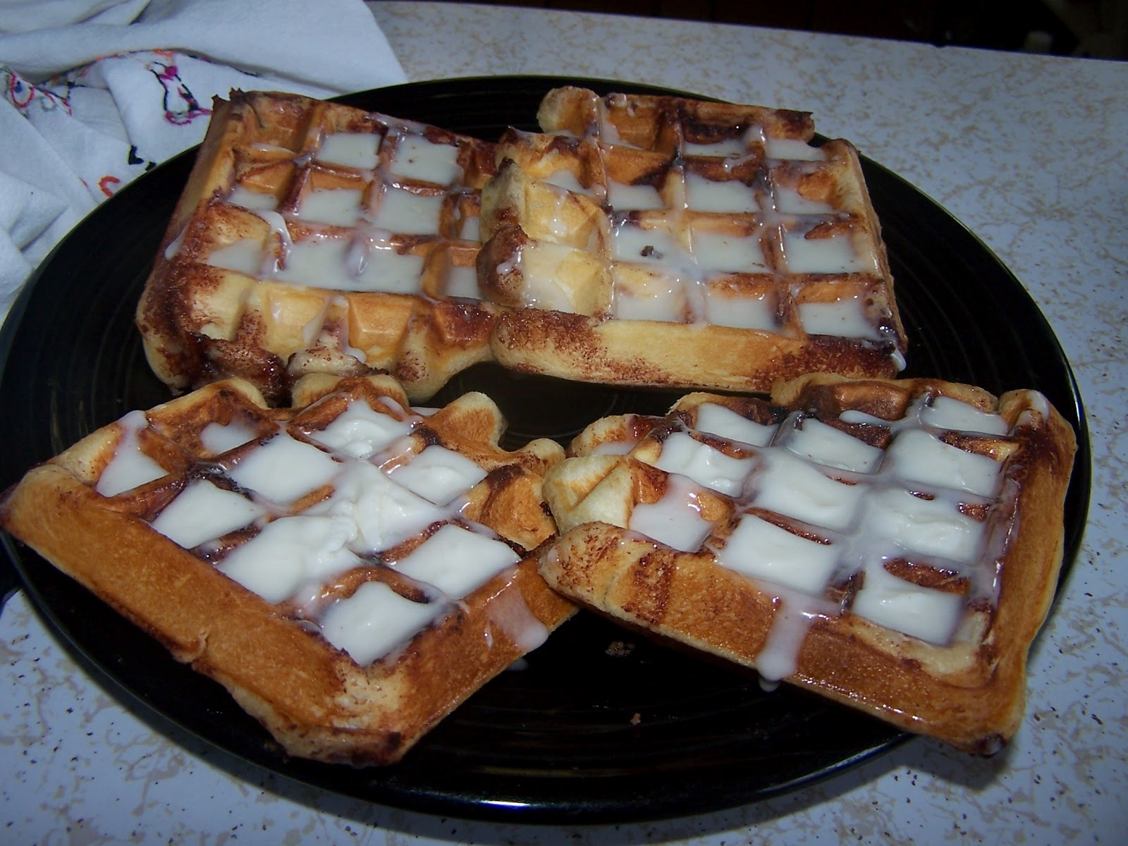 ... ! Blog! Blog! : Cinnamon Roll Belgium Waffles, You're Welcome