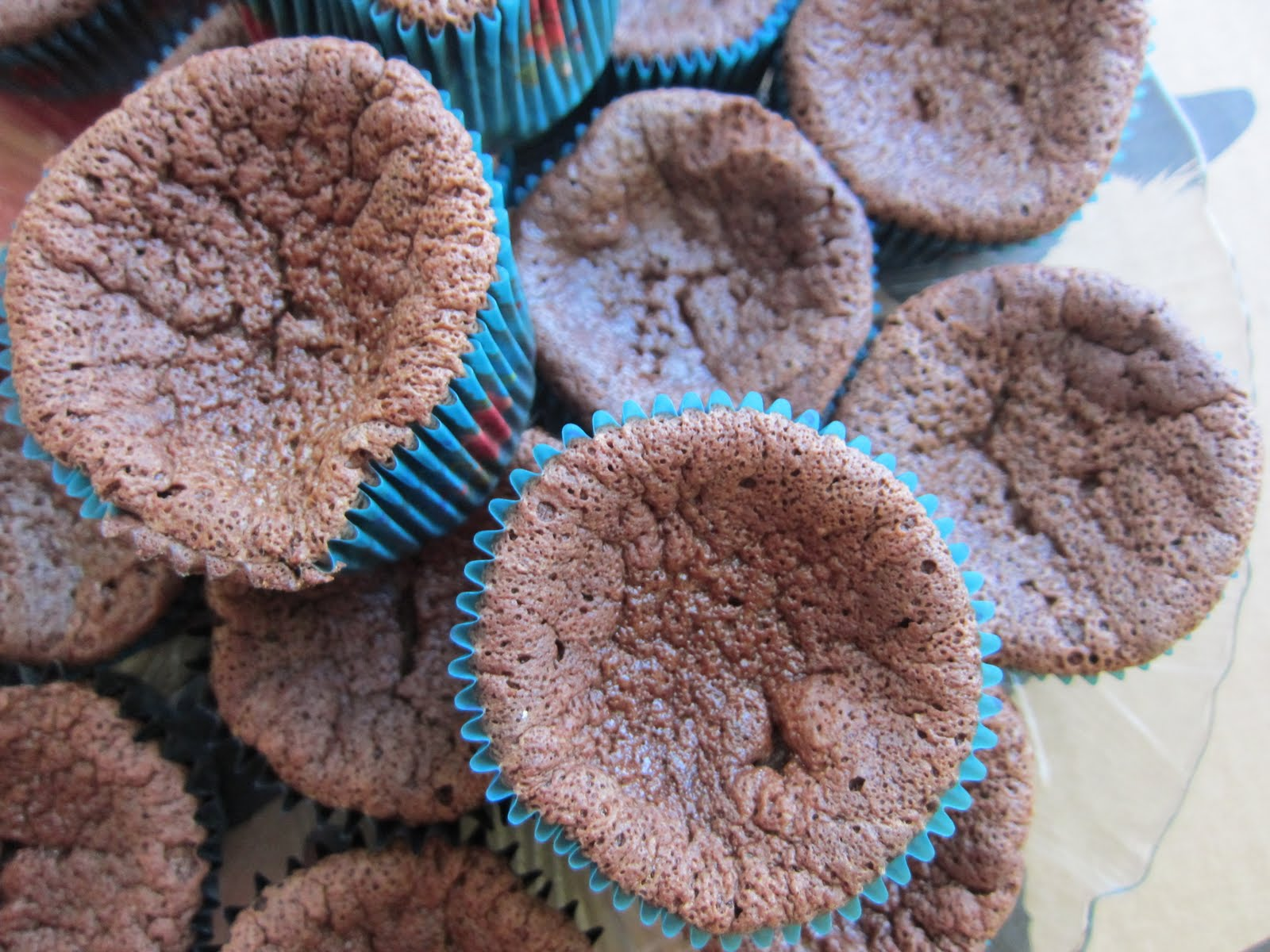 Chocolate Souffle Cupcakes With Mint Cream Recipe — Dishmaps