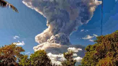 http://sciencythoughts.blogspot.co.uk/2013/12/thousands-evacuated-after-eruption-on.html