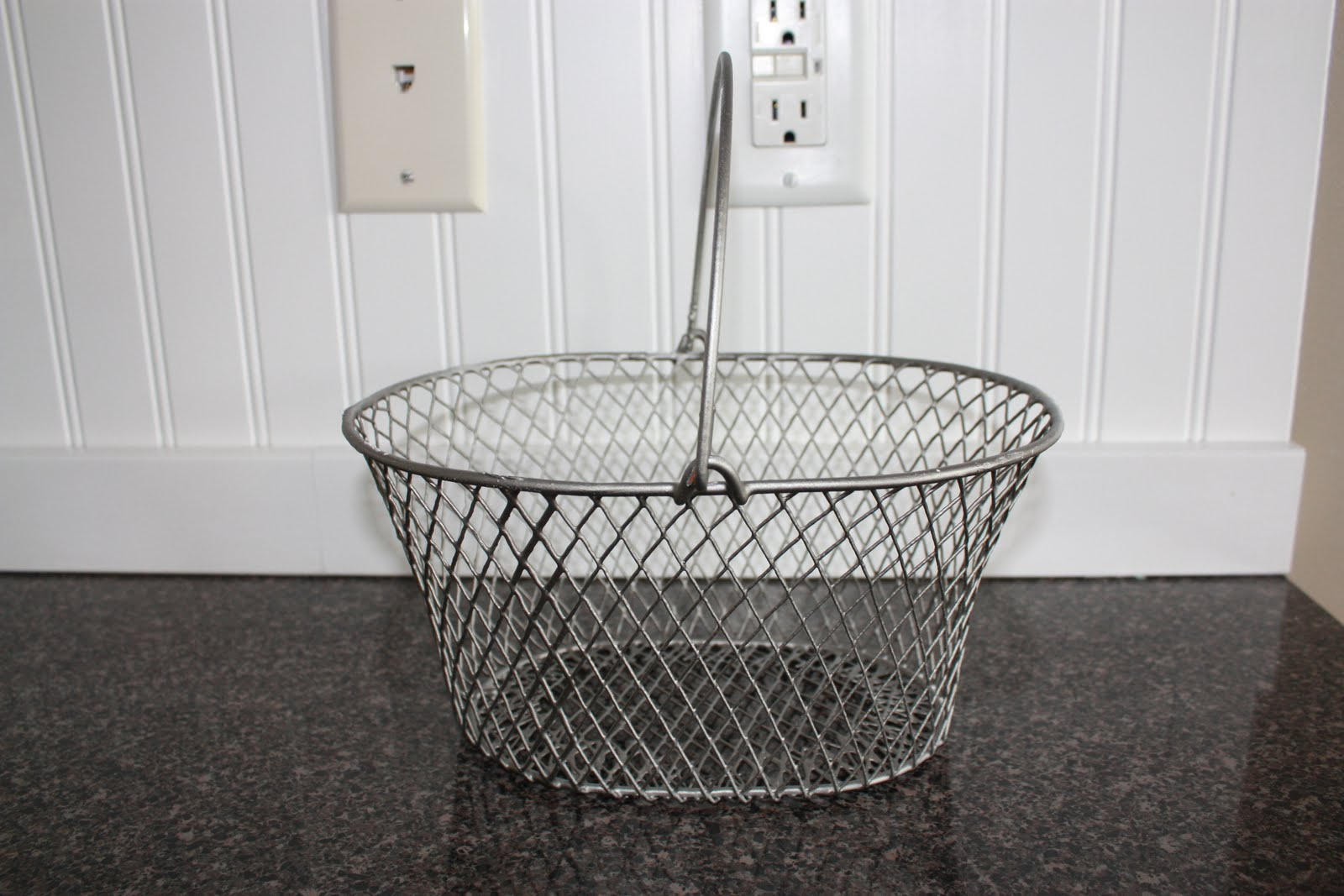 COUNTRY GIRL HOME : Dollar store wire basket redo