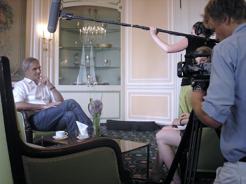 Goldene Palme-Preisträger im Interview (mit Filmteam)