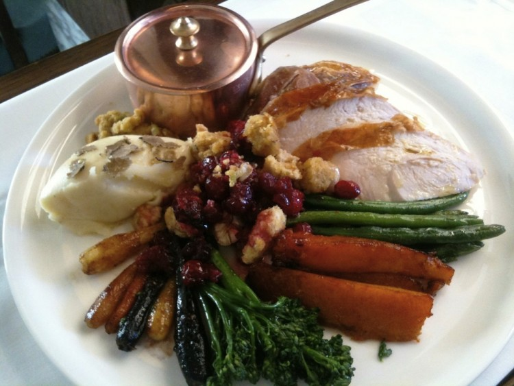 Justluxe gourmet thanksgiving dinners around la for Gourmet meals to make at home