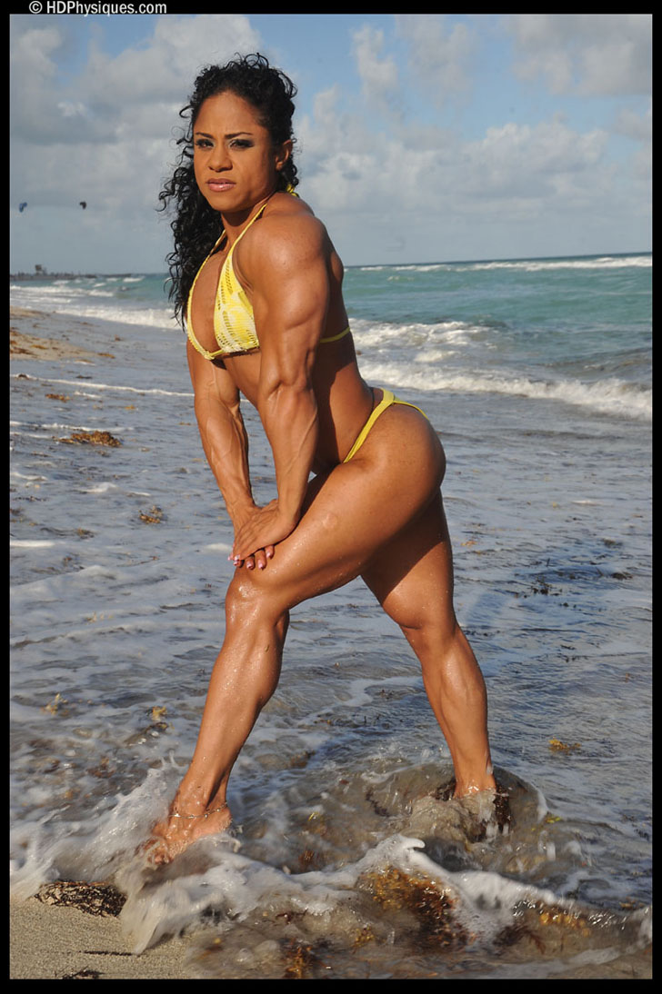Kashma Maharaj Flexes Her Shredded Tricep And Built Legs In A Bikini
