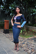 Shruti Haasan latest glam pics-thumbnail-16