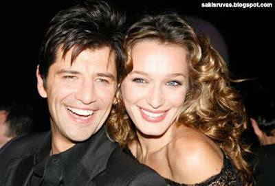 Фото: Греческий певец Сакис Рувас и его любимая жена Катя Зигули