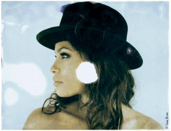 Rosario Dawson - Photo: Lisa Roze