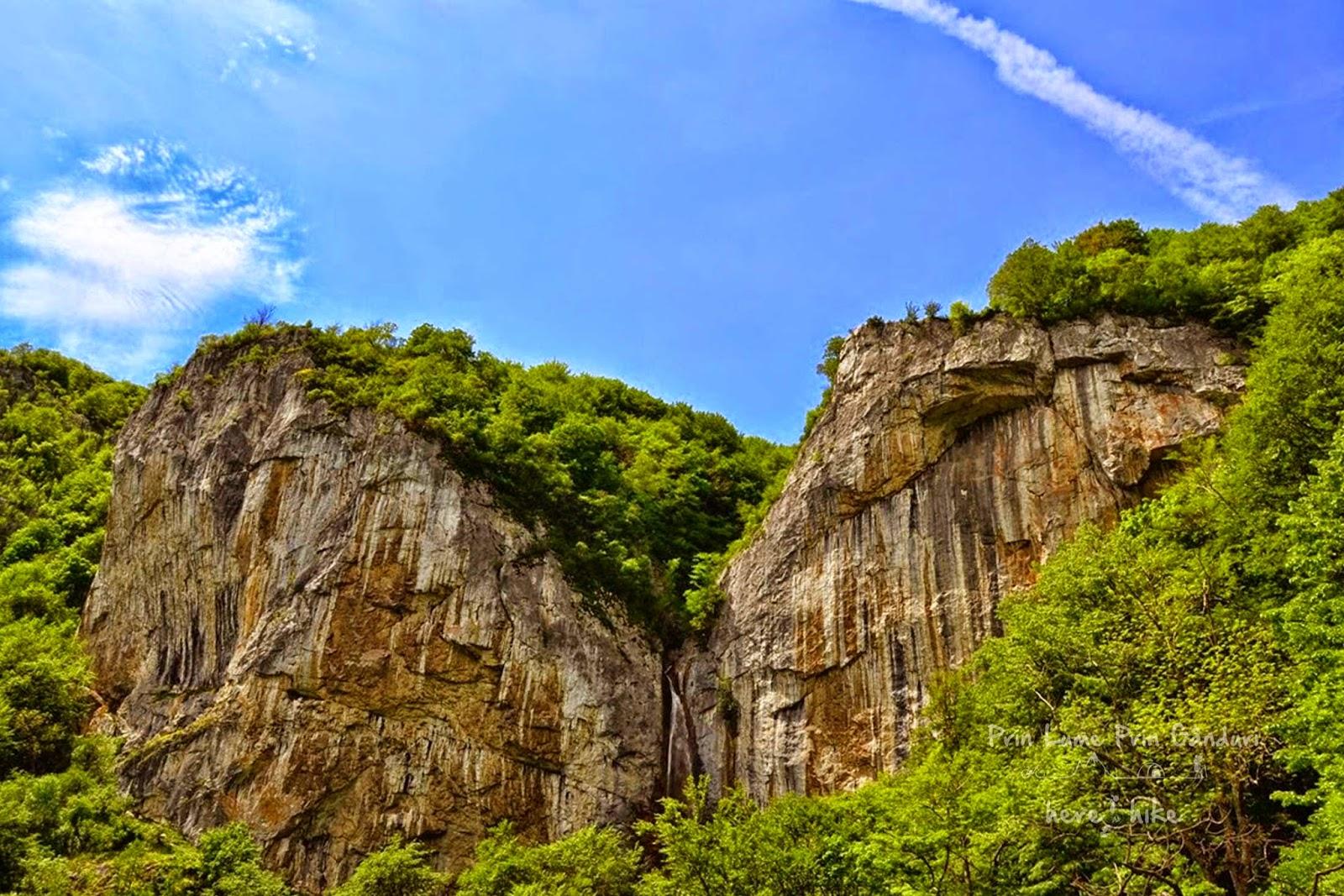 visit_domogled_vanturatoarea_waterfall