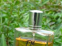 Segila Inikah Manusia Dalam Menggunakan Parfum...???