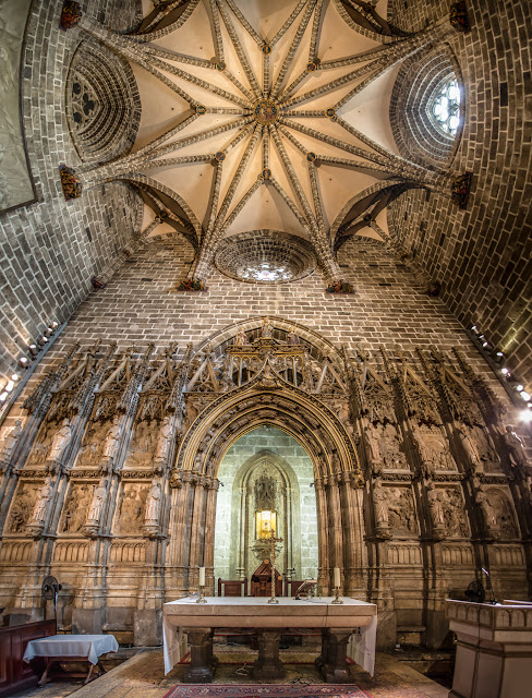 Cáliz de la Catedral de Valencia :: Panorámica 6 x Canon EOS5D MkIII | ISO1600 | Canon 17-40 @17mm | f/4.0 | 1/15s