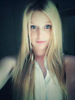 Nikki., single woman (18 yo) looking for man date in South Africa