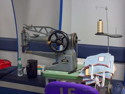 В швейной мастерской цирка дю Солей