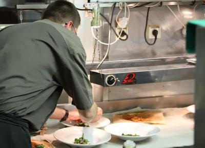 El Chef David Enjatran cocinando en L´Esprit du Vin. Blog Esteban Capdevila