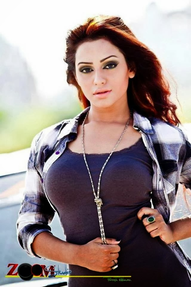 Celebrity Photo: Nusrat faria mazhar