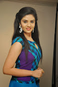 Sri Mukhi latest Photos at Muse Arts Gallery-thumbnail-17