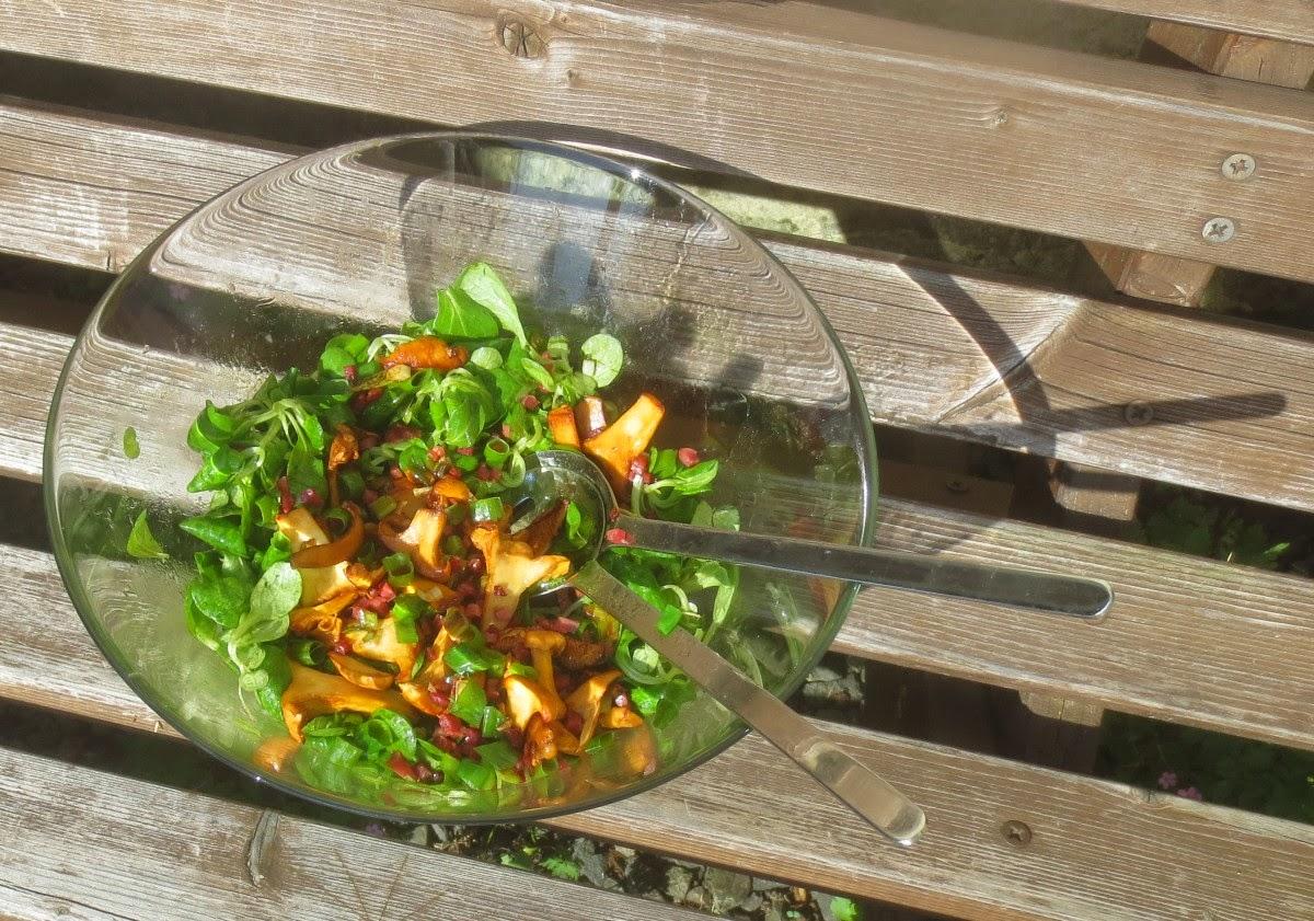 Feldsalat mit Pfifferlingen