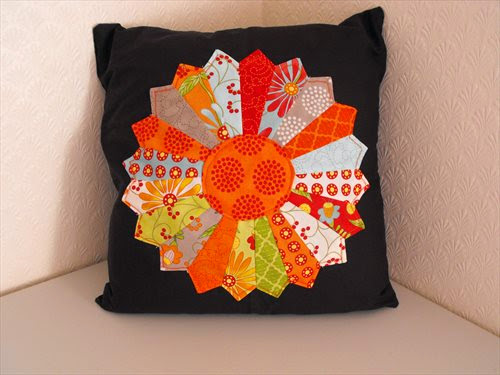 dresden plate cushion