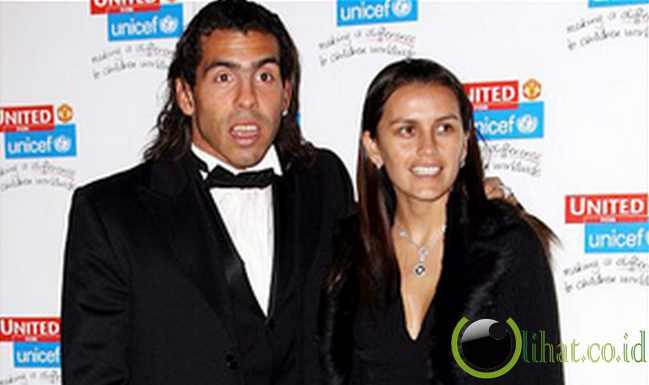 Hasil gambar untuk Carlos Tevez dan Vanessa Carbone