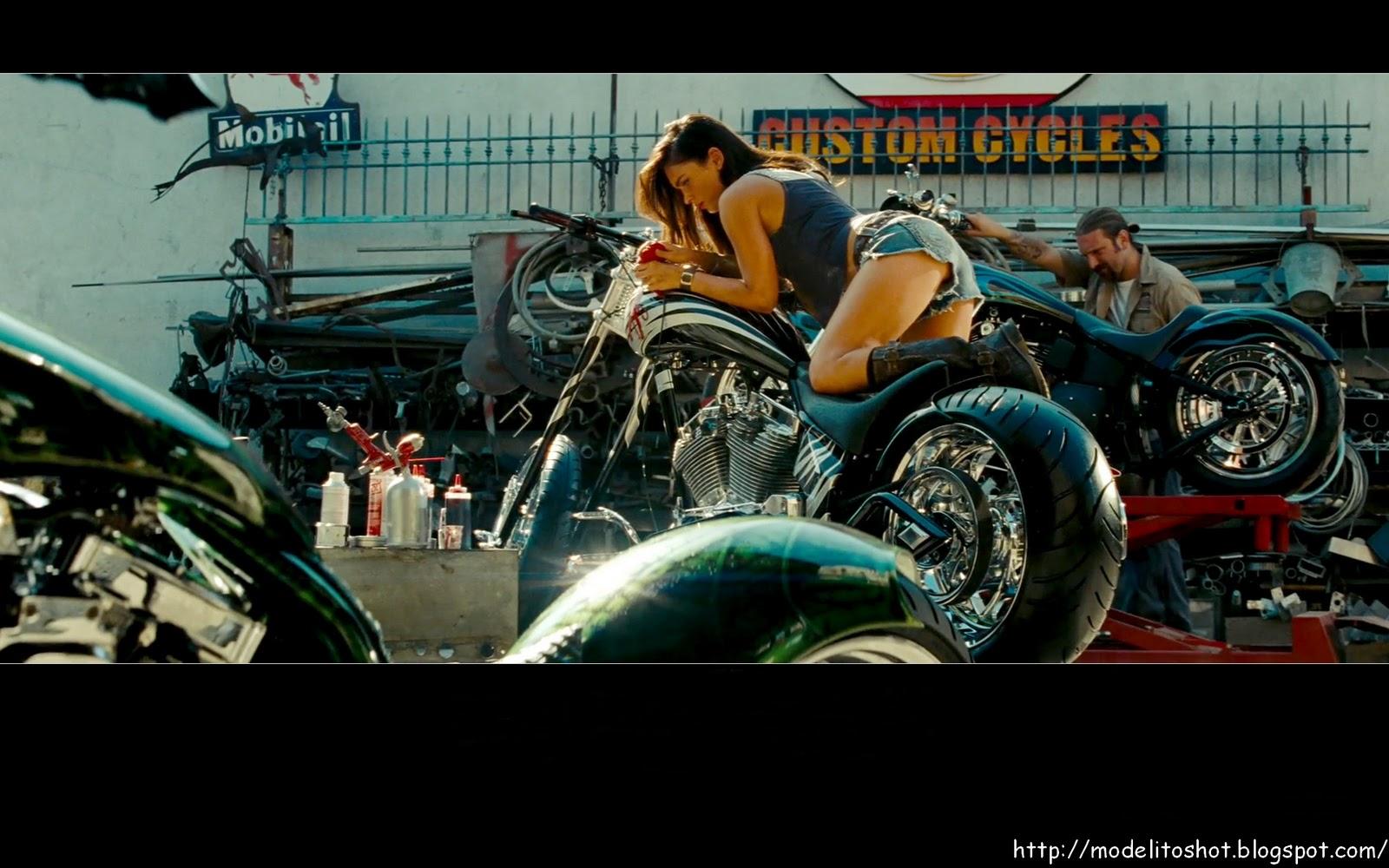 http://2.bp.blogspot.com/-4U_igo0mKFA/TWLZ-LdLTwI/AAAAAAAAAA8/4D_IUMcJ-yA/s1600/sexy+megan+fox.jpg
