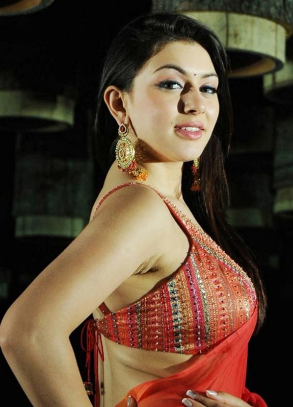 tamil actress hansika motwani latest cute stills collection navel show