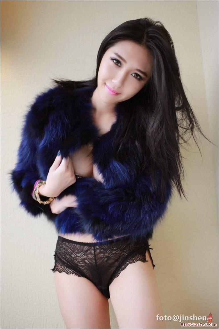 Hình ảnh hot girl Trung Quốc nổi tiếng nhờ khoe vòng 1 sexy