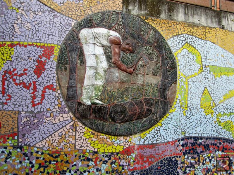 Mural de Julio Bono en Barakaldo (Bizkaia)