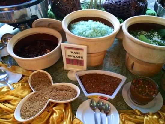 Nasi kerabu di Buffet Ramadhan Casa Ombak
