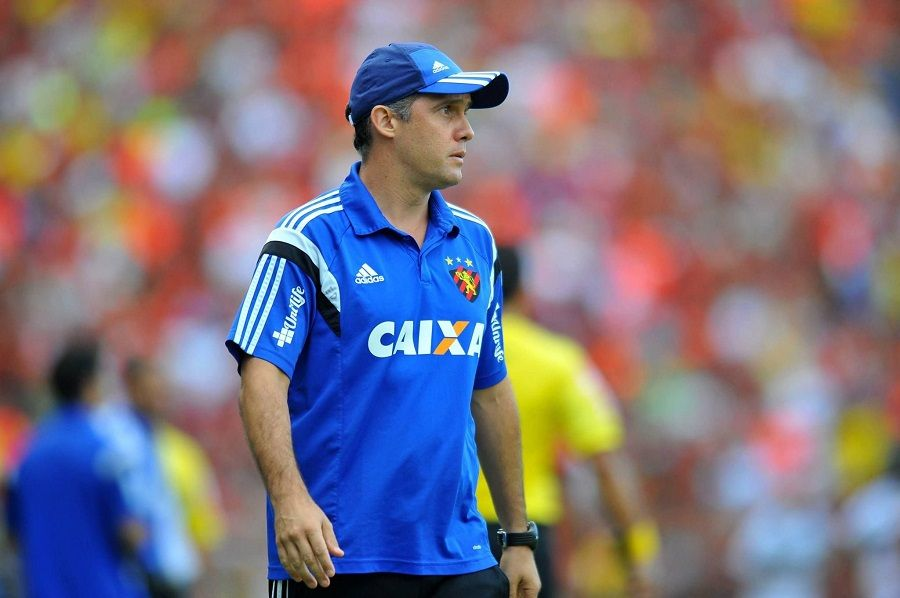 Eduardo Baptista lamenta empate no fim do jogo (Divulgação/Sport)