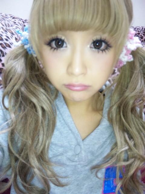 Yumi's Blog: Gyaru Inspiration: Nana Suzuki