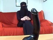 Arab Slut Inserts Huge Dildo | Bokep Arab