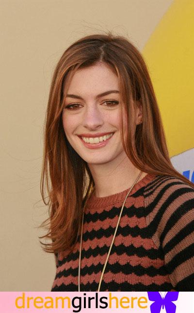 Anne Hathaway American Preety Host Anne+Hathaway-+2