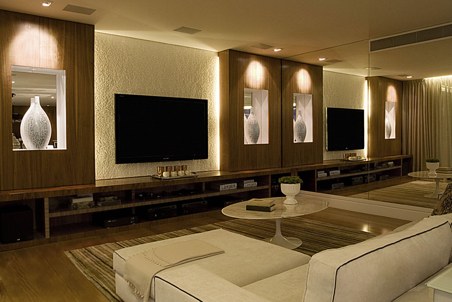 sala de jantar também seguiu a decoração do living, com painel em