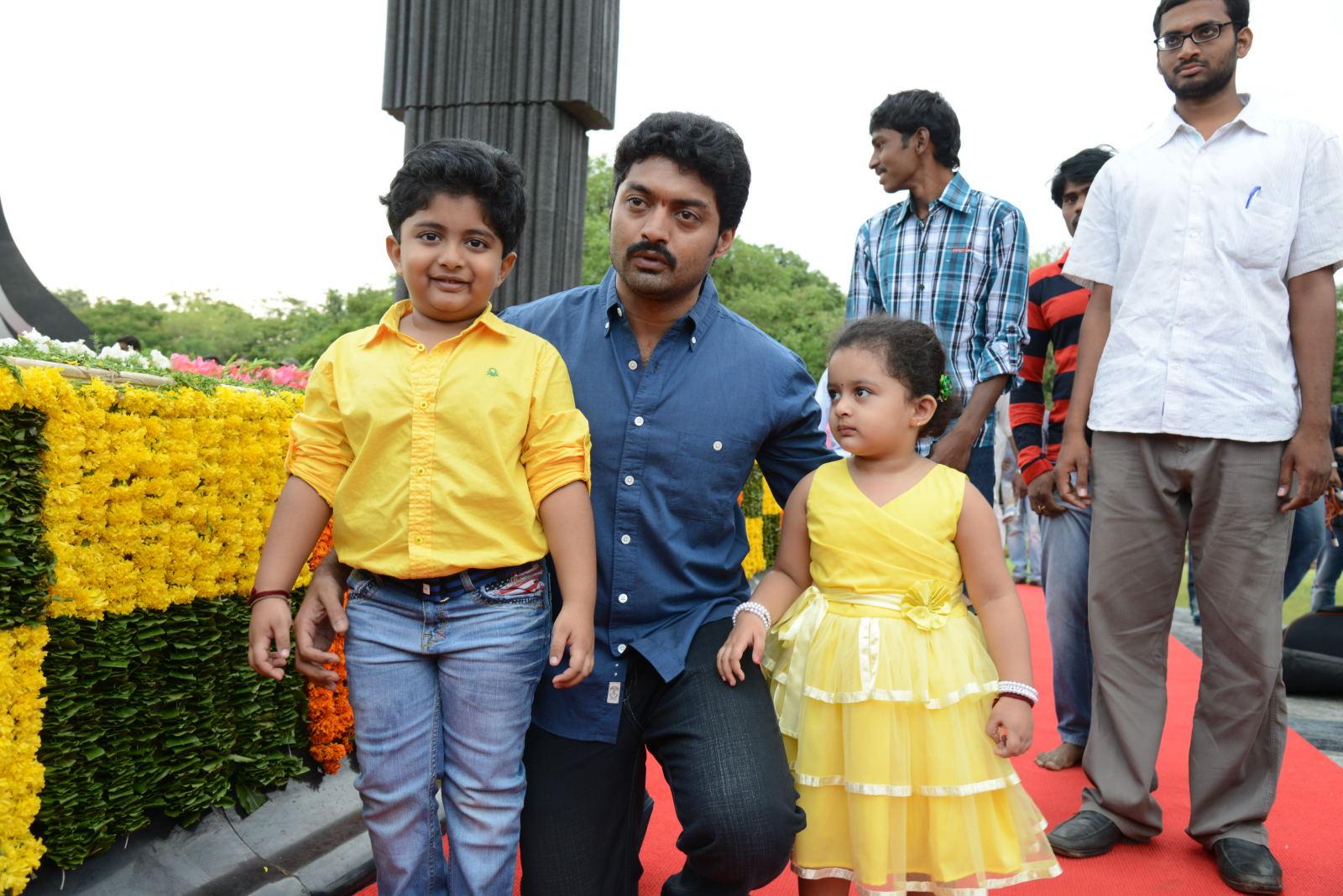 Ntr Family At Ntr Ghat Cinema65 Com